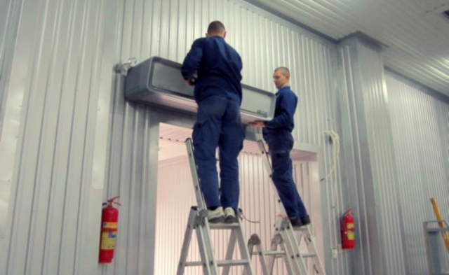 Установка тепловых завес на складе
