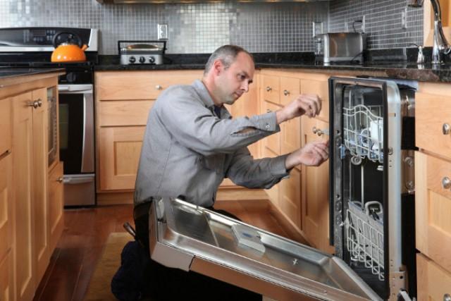 Профессиональное подключение бытовой техники на кухне